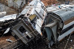 Hiện trường tai nạn tàu thảm khốc ở Maroc khiến 100 người thương vong