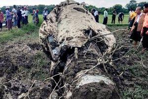 Myanmar: Rơi 2 chiến đấu cơ F-7 mua của Trung Quốc, 3 người chết thảm