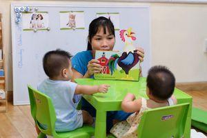 Học mẹ 8X dạy 2 con sinh đôi theo phương pháp giáo dục Montessori thành công từ 6 tháng tuổi