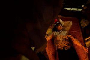Quỳnh búp bê tập 18: 'Gái ngành' hết thời, Lan cave bị cưỡng hiếp tập thể