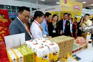 Hơn 100 doanh nghiệp tham dự Hội chợ quốc tế chuyên ngành Thực phẩm