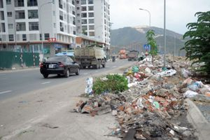 Xà bần tràn lòng lề đường TP Nha Trang