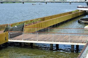 Cầu đi bộ lát gỗ lim siêu sang ở Huế từng rạn nứt giờ thế nào?