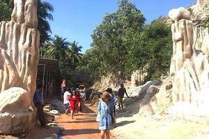 Tháo dỡ công trình xây dựng trái phép ở điểm du lịch Suối Tiên, Bình Thuận