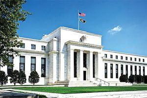Fed dưới áp lực chính trị