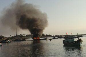 Tàu cá phát nổ trên biển, 1 ngư dân tử vong
