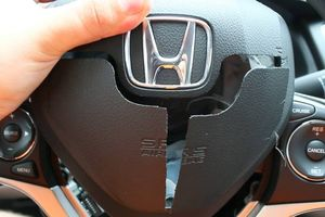 Rộ nạn trộm túi khí xe Honda ở Mỹ