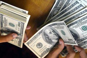 Tỷ giá trung tâm tăng, giá USD trên thị trường tự do tăng mạnh