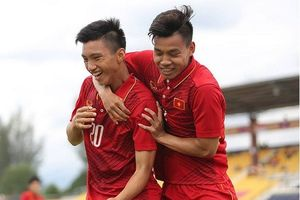 Văn Hậu sẽ 'cày ải' cả giải U19 Châu Á và AFF Cup nếu U19 Việt Nam vào tứ kết
