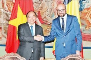 Thủ tướng Nguyễn Xuân Phúc hội đàm với Thủ tướng Bỉ Charles Michel