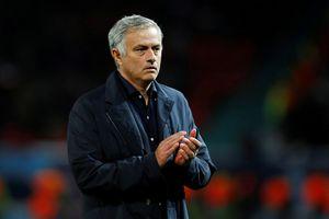 Mourinho tiếp tục làm tâm điểm khi Premier League trở lại