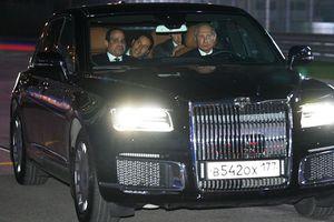 Tổng thống Putin lái xe chở người đồng cấp Ai Cập thăm đường đua F1