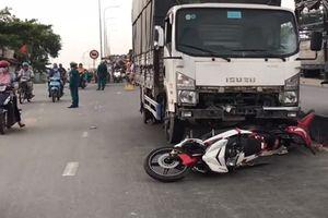 Xe tải tông hàng loạt xe máy, 2 người tử vong tại chỗ