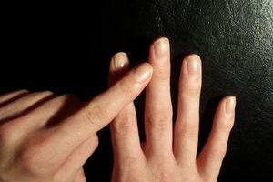 Khám phá bí mật hành vi tình dục của nữ giới qua chiều dài ngón tay