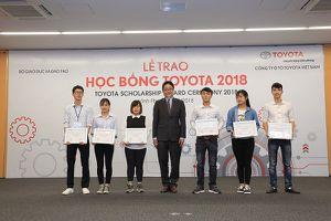 Toyota Việt Nam trao tặng 115 suất học bổng cho sinh viên cơ khí
