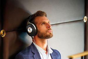 Focal ra mắt cặp tai nghe closed-back đầu tay mang tên Elegia, giá bán 900 USD