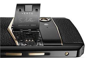 Smartphone chạy Snapdragon 660 có giá tới 5.167 USD chỉ có thể là Vertu Aster P