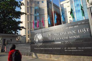 ĐH Luật TP.HCM cảnh báo có thể buộc thôi học 71 sinh viên