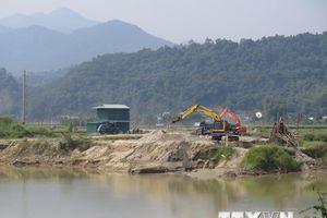 Kiểm tra việc khai thác cát 'nuốt' di tích quốc gia Thành Tam Vạn