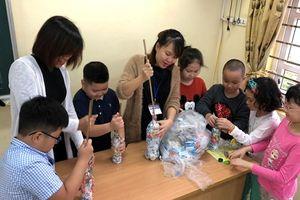 Gạch sinh thái: Rèn ý thức bảo vệ môi trường cho học sinh