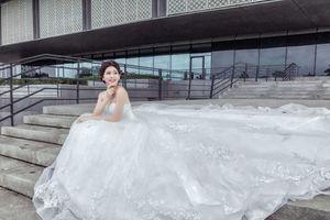 Cô dâu 1m50 vẫn đẹp tuyệt trần nhờ những mẫu váy cưới này