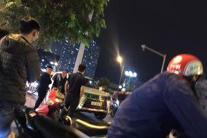 Hà Nội: Gây sự khi va chạm giao thông, thanh niên lái SH bị ông chủ Lexus 570 cho 'no đòn'