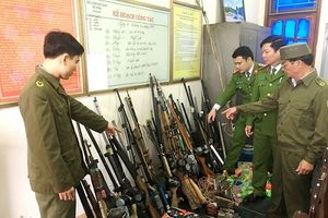 Hương Khê (Hà Tĩnh): Thu hồi 15 khẩu súng và nhiều hung khí các loại