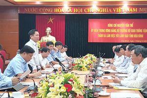 Bộ trưởng Nguyễn Văn Thể và lãnh đạo Hòa Bình tìm giải pháp phát triển hạ tầng giao thông địa phương