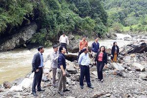 Bắc Kạn: Chủ tịch UBND tỉnh kiểm tra các điểm bị xói lở trên tuyến Đường tỉnh 258B