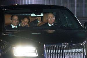 Ông Putin trổ tài lái siêu xe đưa Tổng thống Ai Cập vào đường đua F1