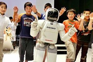 Khi robot trở thành giáo viên ngoại ngữ