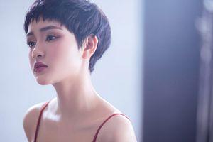 Hiền Hồ tung MV mới và tự nhận mình 'điên' khi yêu