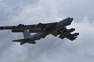 Máy bay ném bom B-52 của Mỹ bay qua Biển Đông giữa căng thẳng với Trung Quốc