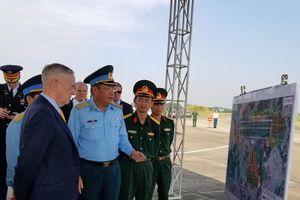 Bộ trưởng Quốc phòng Hoa Kỳ thăm Việt Nam