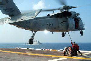 Trực thăng rơi trên tàu sân bay USS Ronald Reagan của Mỹ