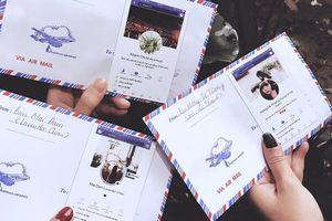 Nhóm bạn thân Hà Nội in hình Facebook lên phong bì tặng cô dâu