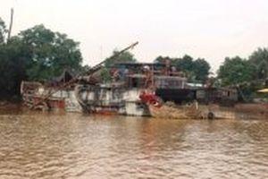 Bắt ba thuyền bơm hút cát công suất lớn trên sông Đồng Nai