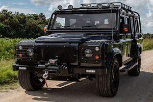 Xem Land Rover Defender 110 độ khủng từ trong ra ngoài