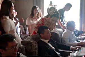 Chú rể trốn giờ hoàng đạo ra net chơi game khiến cô dâu hốt hoảng