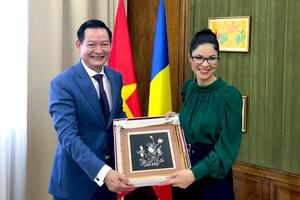 Đại sứ Trần Thành Công chào từ biệt Lãnh đạo Romania