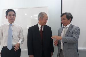 'Huyền thoại' ghép tạng thế giới 'tiếp lửa' cho sinh viên y khoa Đà Nẵng