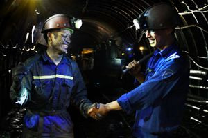 TKV 'lên tiếng' về lương công nhân - người 30 triệu, người hơn 5 triệu/tháng