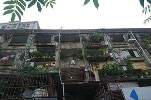 Nghịch lý tại khu chung cư 'nguy hiểm nhất' Thủ đô