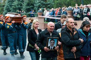 20.000 người dự tang lễ nạn nhân vụ xả súng kinh hoàng ở Crimea