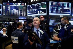 Thị trường chứng khoán Mỹ giảm mạnh do những lo ngại về căng thẳng với Saudi Arabia