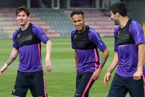 Messi là VĐV xuất sắc nhất mọi thời đại; Barca bỏ phiếu 'giải cứu' Neymar
