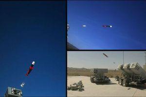 Clip: 'Soi' sức mạnh hệ thống phóng 'bầy đàn' UAV của Hải quân Mỹ