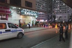 Vụ bé sơ sinh rơi ở chung cư Linh Đàm: 'Cháu nặng khoảng 3kg, không được mặc quần áo'