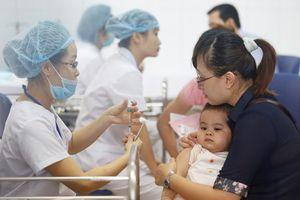 Trẻ mắc sởi tăng cao, Bộ Y tế mở chiến dịch tiêm chủng miễn phí