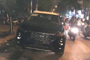 Hyundai Santa Fe 2019 lăn bánh trên đường phố Hà Nội trước ngày ra mắt